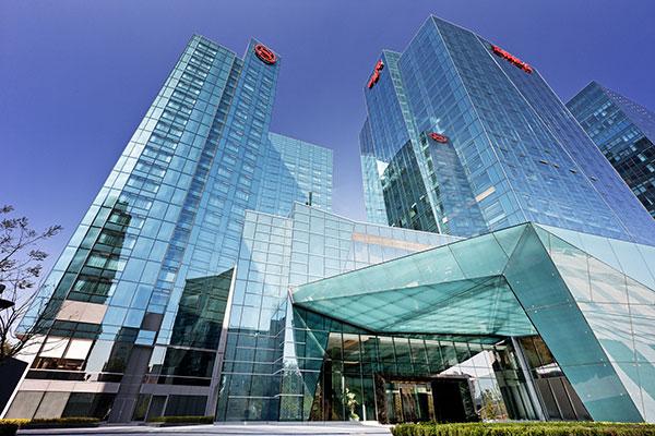 开业时间:2012 年11 月  房间数:313 间  最大宴会厅面积:988m2  www